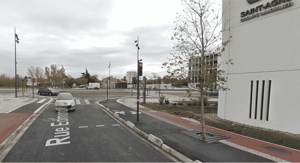 Feu tricolore piste cyclable Toulouse