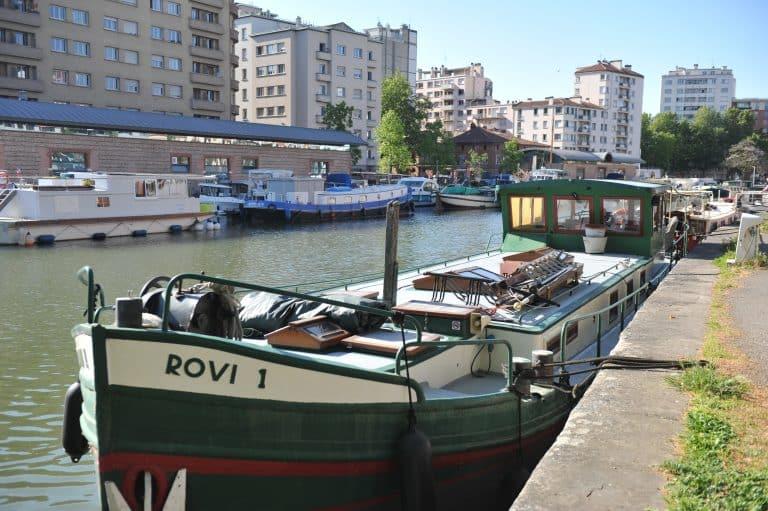 La péniche, ou l'attrait du bateau-logement
