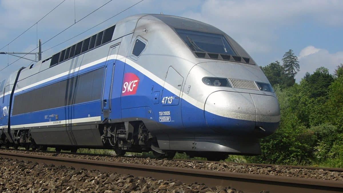 La SNCF annonce que le trafic des trains sera interrompu entre Paris et Toulouse pendant les ponts du mois de mai @JMoaetlh