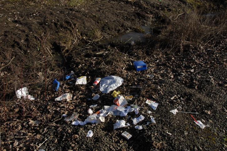 Hérault : l'équivalent de 3 bus de déchets collectés sur les routes départementales
