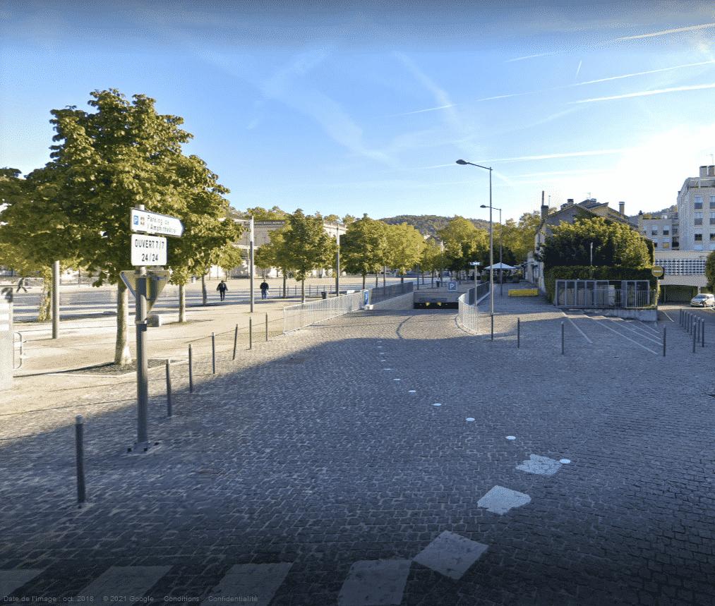 parking Amphithéâtre Cahors