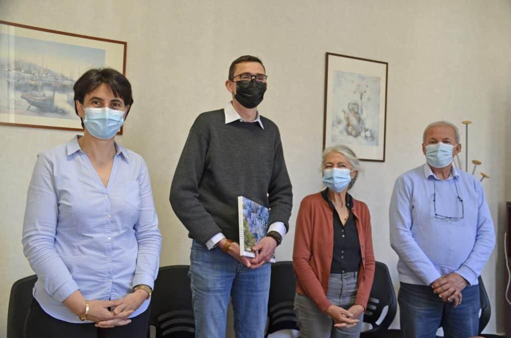 Venu de l'Oise, le Dr Matthieu Binet, médecin généraliste, va désormais exercer à Saint-Etienne-Vallée Française, en Lozère @Conseil départemental de Lozère