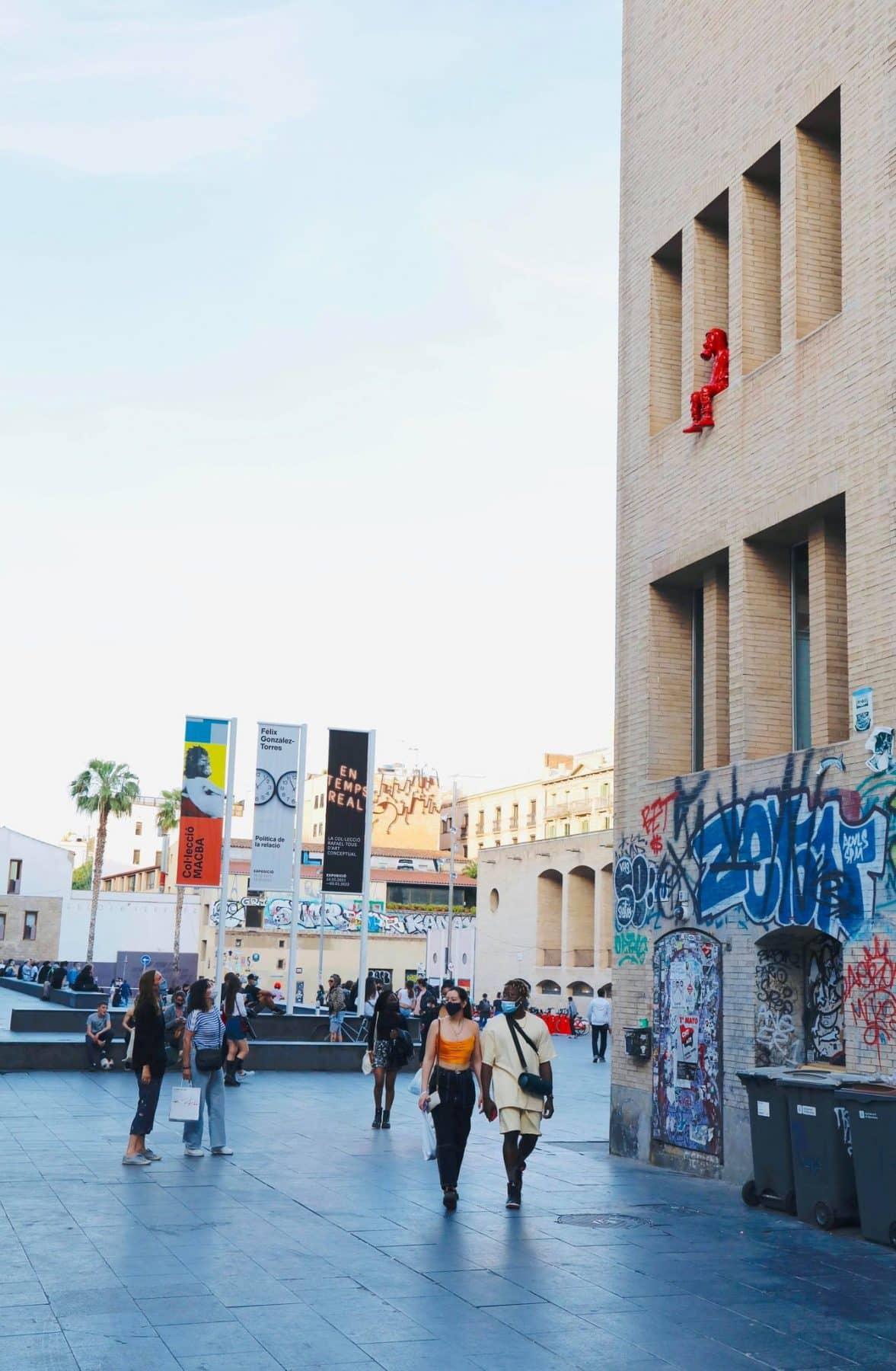 colomina statue barcelone