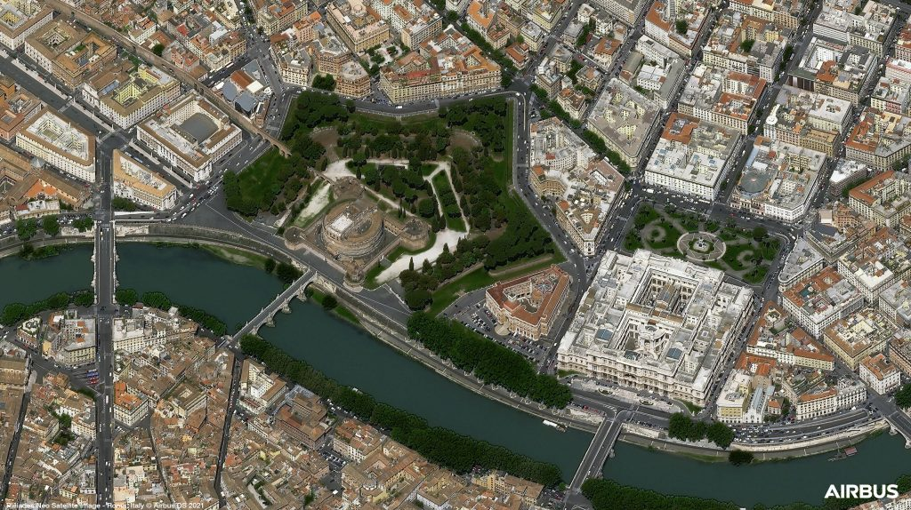 Le chateau San Angelo, à Rome, en Italie, photographié par le satellite Pléiades Neo 3 d'Airbus @Airbus