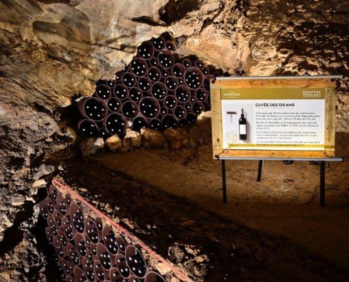 Après un an passé à plus de 100 mètres de profondeur, la cuvée des 130 ans de la découverte du Gouffre de Padirac va refaire surface @GouffreDePadirac