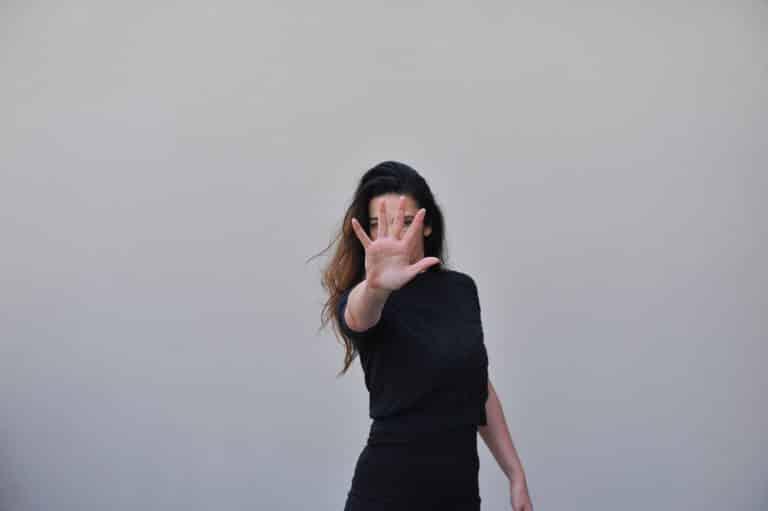 Sexisme, propositions sexuelles : plusieurs stagiaires en journalisme brisent le silence