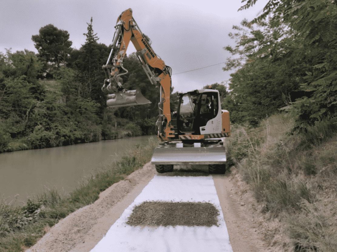La rénovation des berges du canal du Midi est en cours. © Département de l'Hérault.