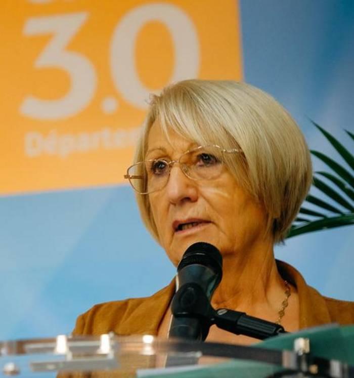 Françoise Laurent-Perrigot a été réélue, ce 1er juillet, présidente du Conseil départemental du Gard, par les conseillers élus le 27 juin @DépartementDuGard