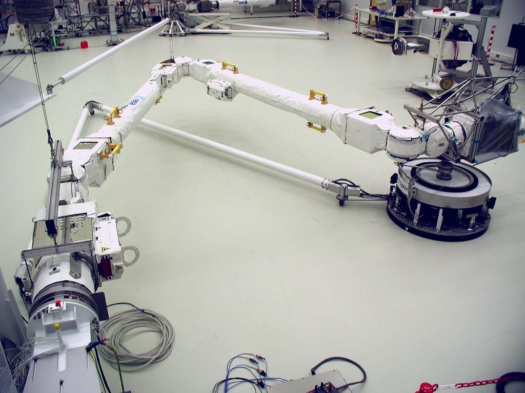 Le bras robotique européen conçu par des ingénieurs spatiaux d'Airbus, à Toulouse et aux Pays-Bas, est prêt pour son vol vers l'ISS @Airbus DS NL
