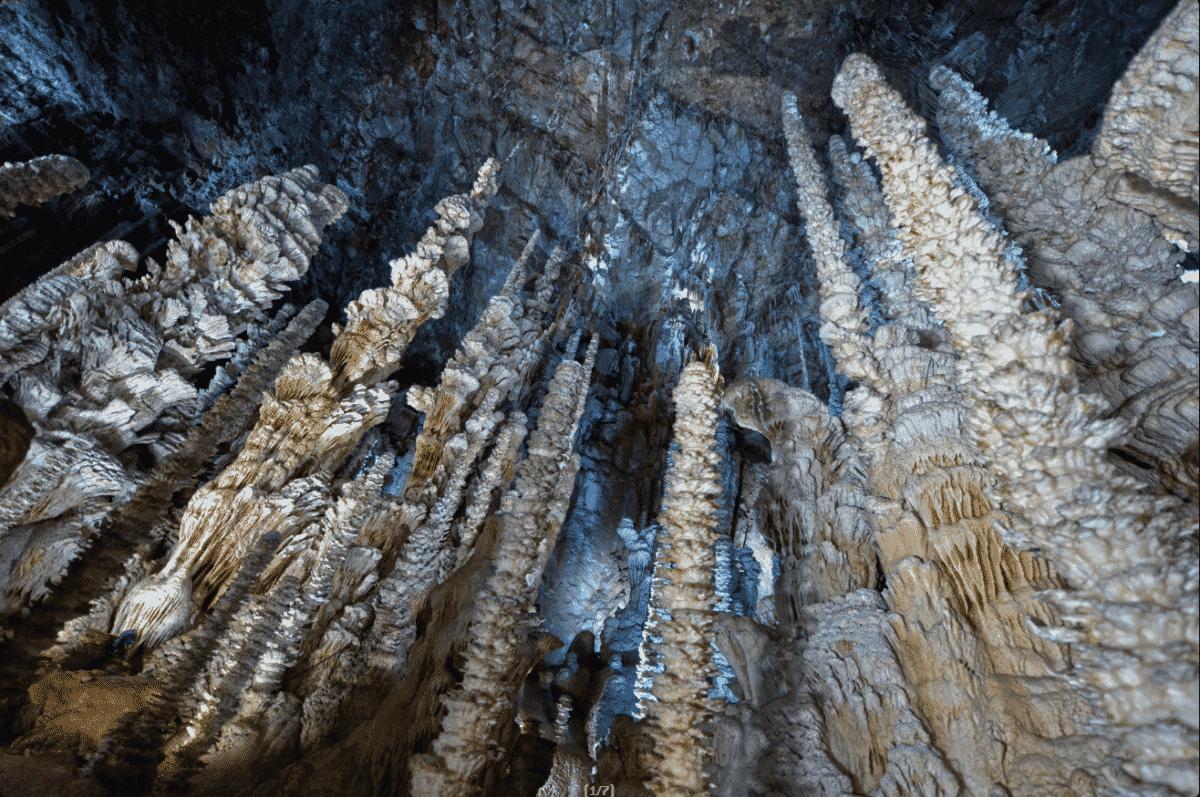 stalagmite grotte Lozère Aven Armand