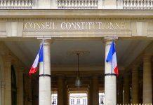Entrée du conseil constituionnel à Paris