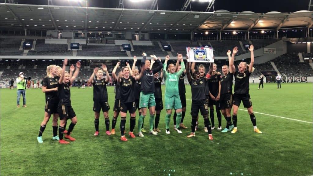 Le Bayern Munich remporte la Amos French Women's Cup / Léo Molinié