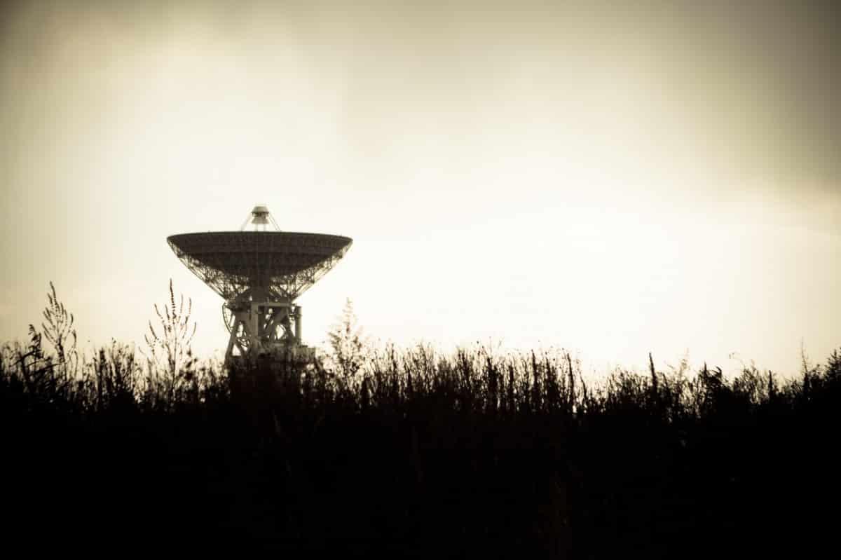 radar antenne ovnis Macron Toulouse